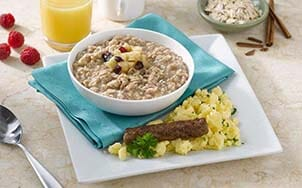 apple-cinnamon-oatmeal-with-scrambled-eggs