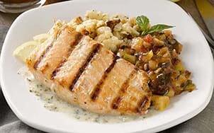 grilled-salmon-with-creamy-pesto